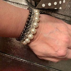 HENRI BENDEL Pearl and Chain Bracelet SUPER CUTE!